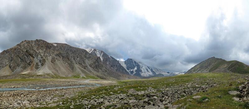 Панорама Тургеньского ущелья