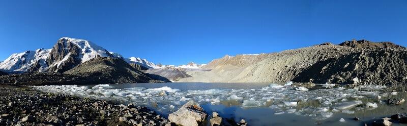 Озеро под ледником Горного Института