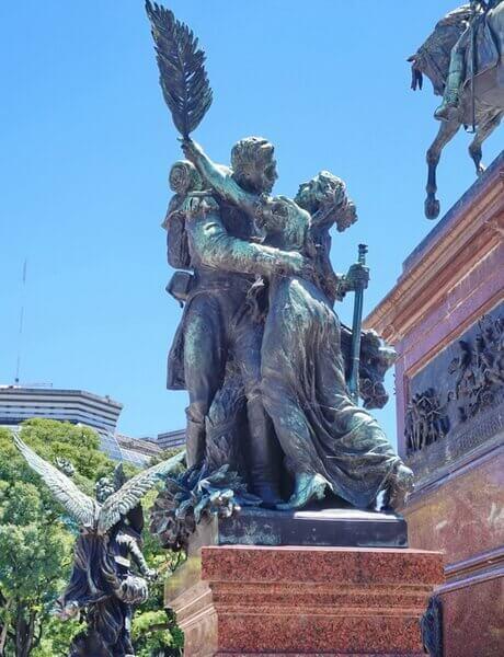 Буэнос-Айрес, монумент генералу Сан-Мартину