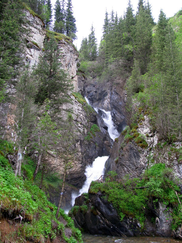Кайракский водопад, ущелье Тургень