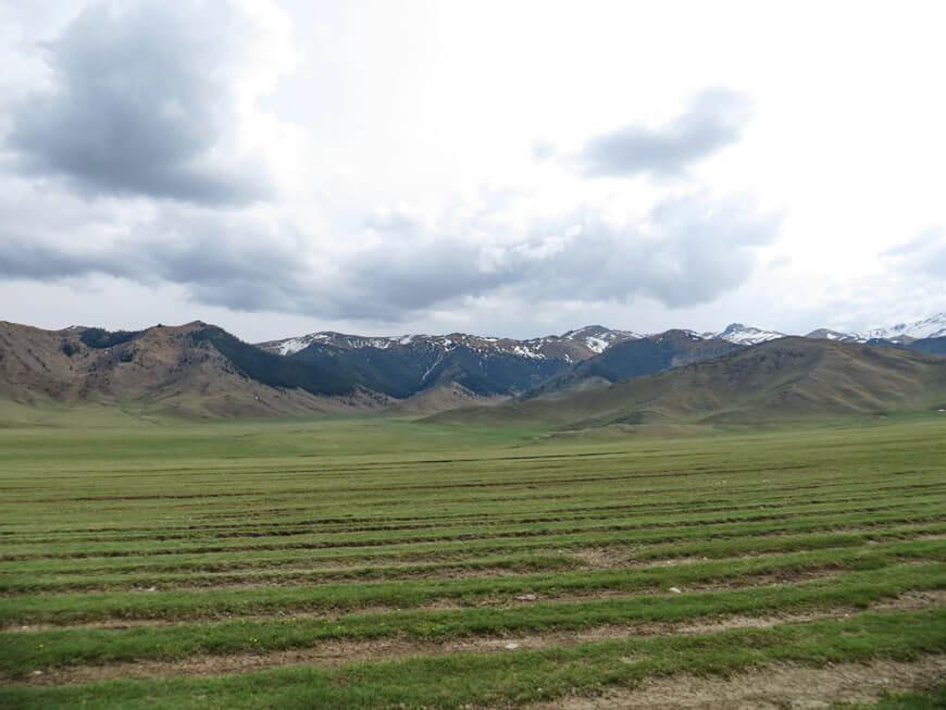 горы Алтын Емель, хребет Кояндытау