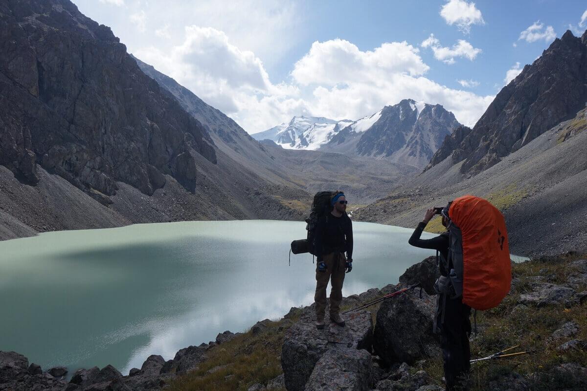 озеро Акколь, Иссыкское ущелье