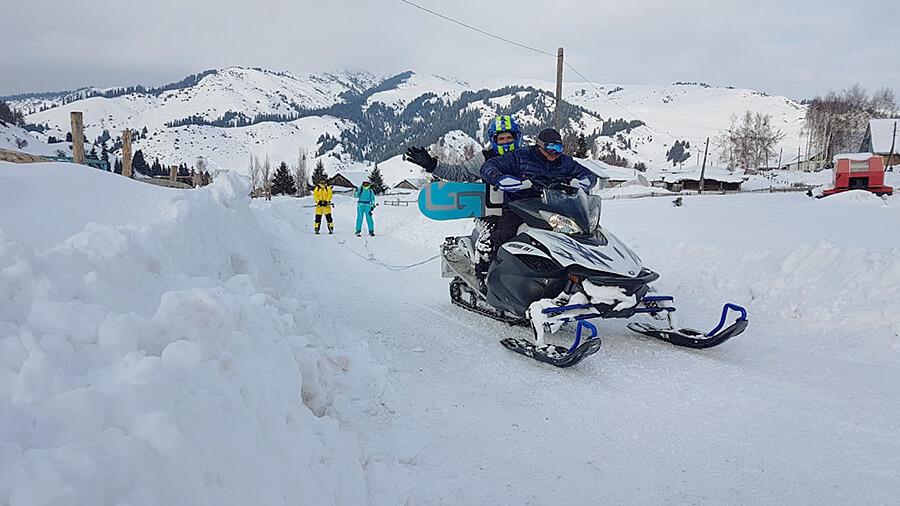 Заброска на снегоходах в Жыргалане