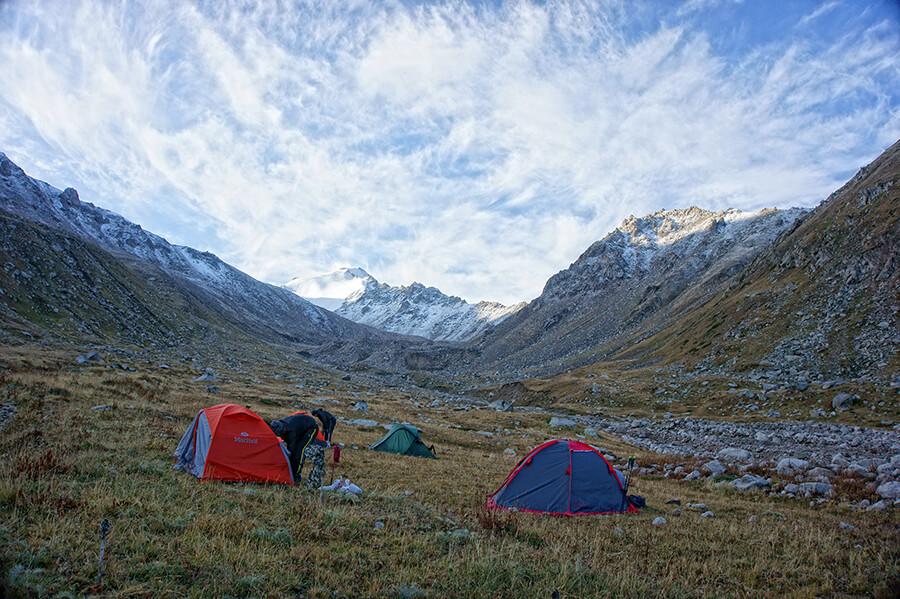 Лагерь под перевалом Кумбельсу 3100 м