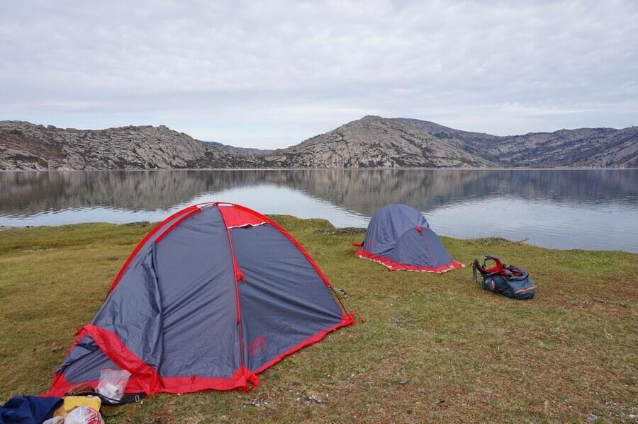 Сибинские озера, Калбинский хребет