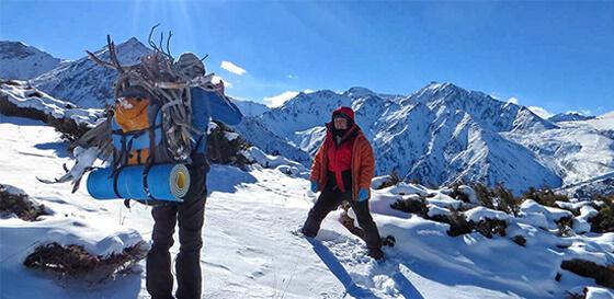 Зимний трекинг в горах Алматы