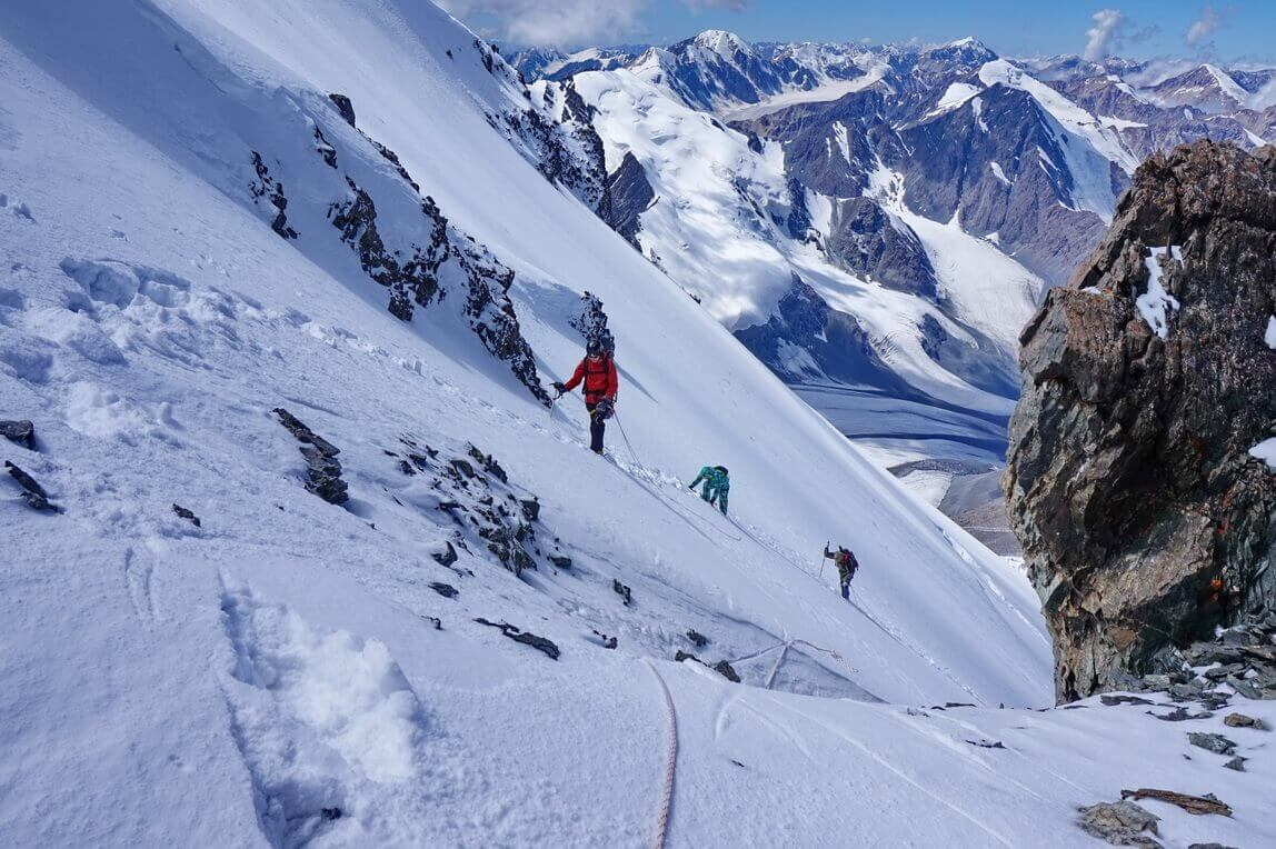 Almaty mountaineering and climbing tours
