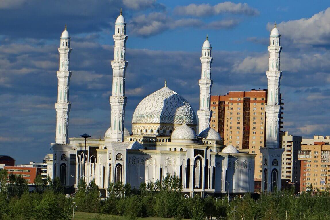 Cental-Mosque-of-Nur-Sultan