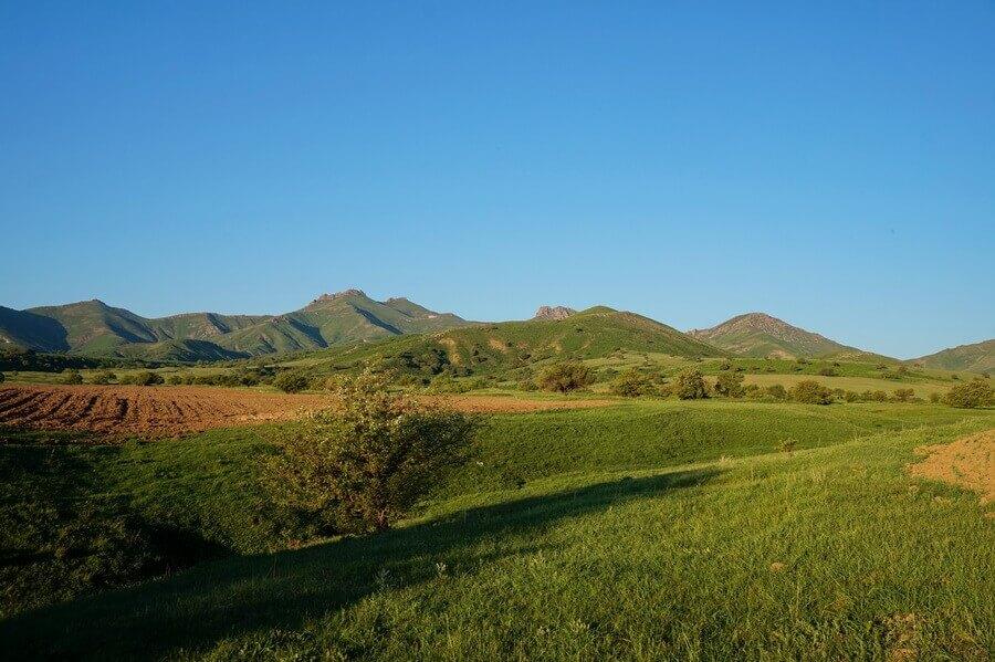 malyi-karatau-selo-ertai