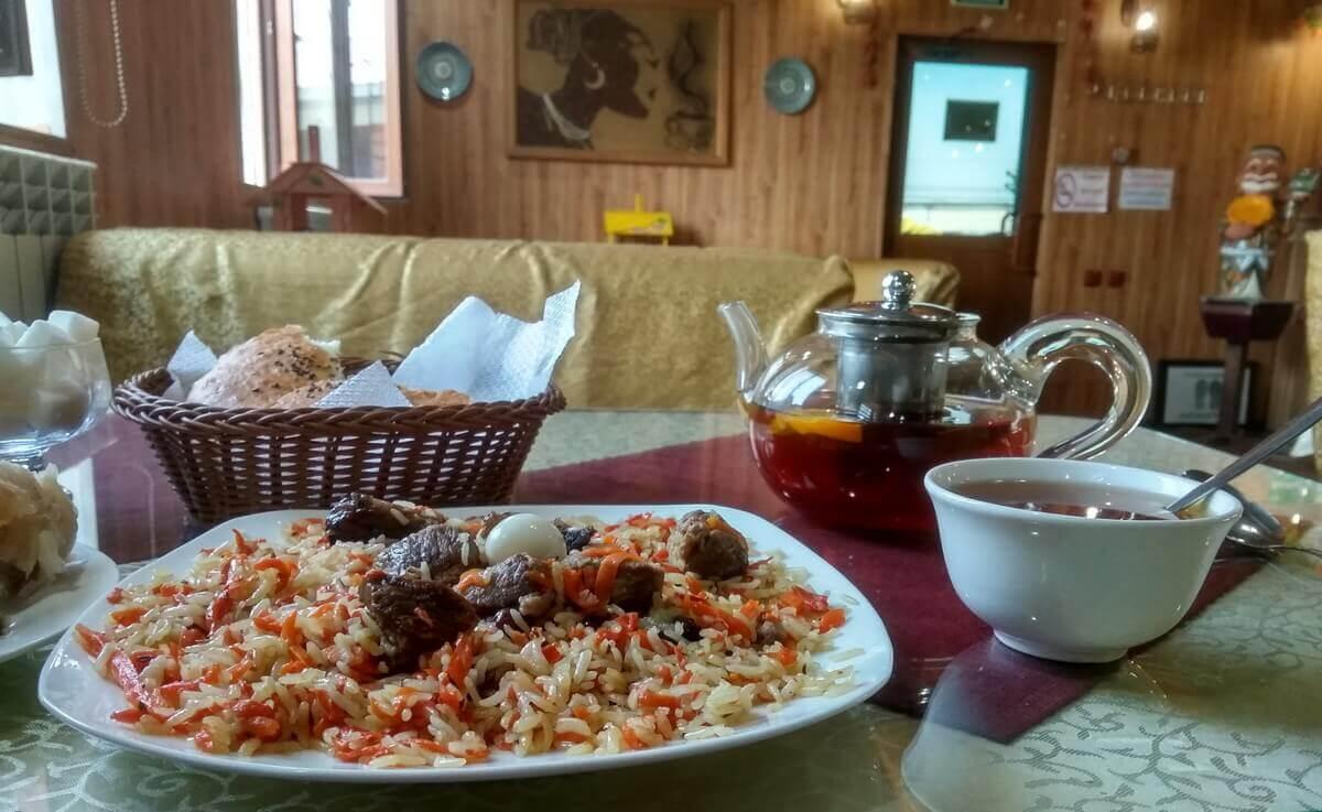 kafe-izbushka-Shardara